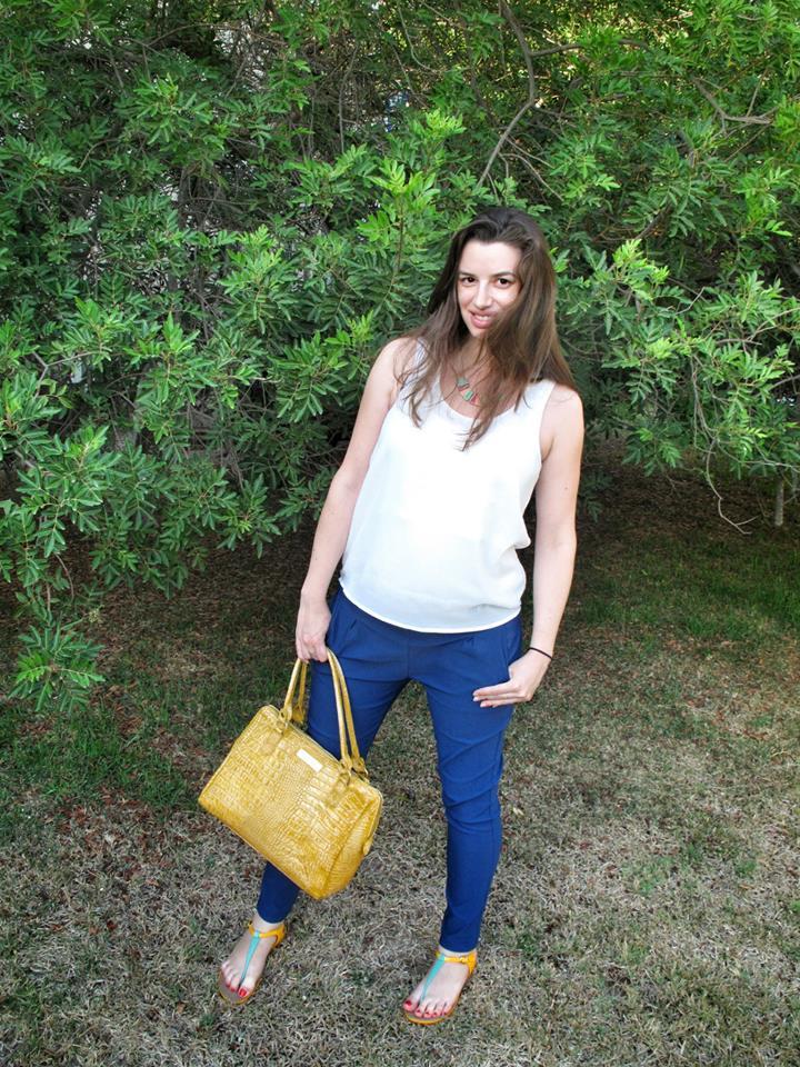 שבוע 23 גופיית פאייטים - Style River מכנסיים - Yucca סנדלים - Melissa תיק עור צהוב - מתנה מאמא צילם בסבלנות ואהבה - גיא דותן